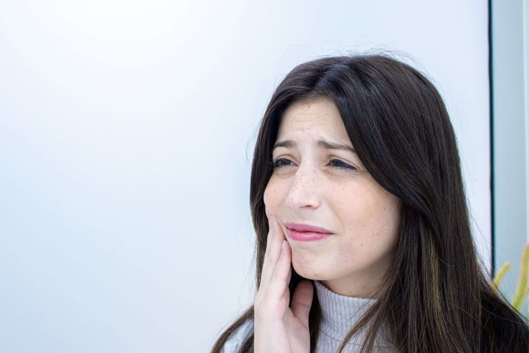 Paciente com dor no dente (cárie dentária)